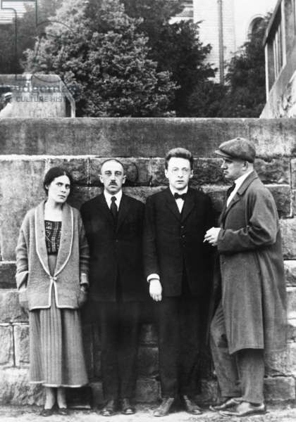 Lilya Brik, Osip Brik and Vladimir Mayakovsky in Paris, 1923 (b/w photo0