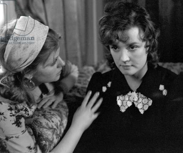 Irina Muravyova (left) as Lyudmila, and Vera Alentova as Katerina in the movie 'Moscow Does Not Believe in Tears', 1978 (photo)