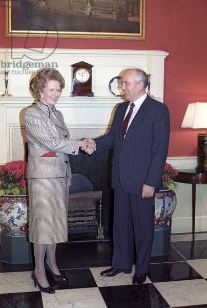 British Prime Minister Margaret Thatcher welcoming Soviet President Mikhail Gorbachev, 1989 (photo)