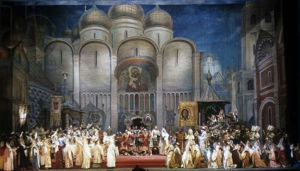"A scene from Act 1 of Modest Mussorgsky's opera ""Boris Godunov"" being performed at the Bolshoi Theater, 1970 (photo)"