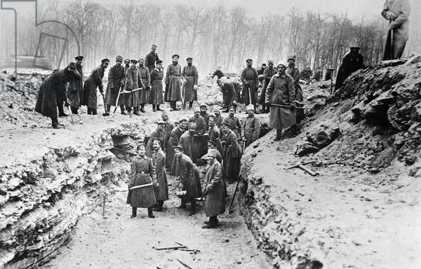 Funeral of victims of 1917 February Revolution., 1917 (b/w photo)