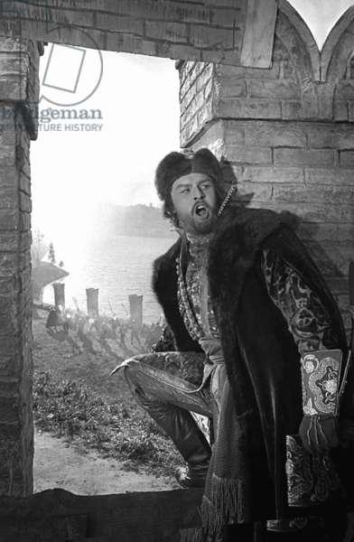 Yevgeny Kibkalo as Boyar Shaklovity in a still from