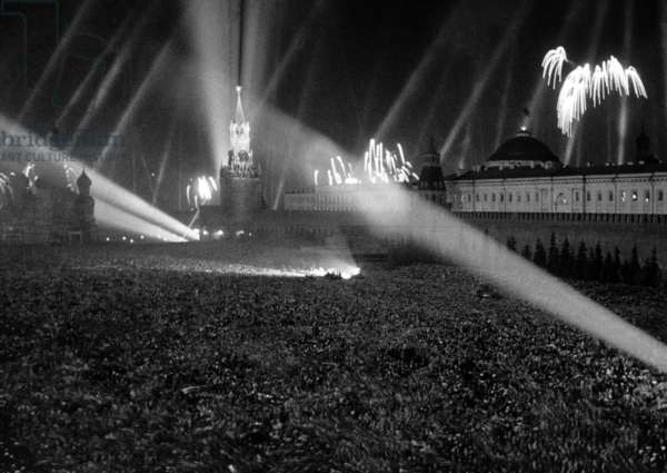 The Great Patriotic War of 1941-45, Victory fireworks on Red Square, May 9, 1945, Boris Kudoyarov/Sputnik (photo)