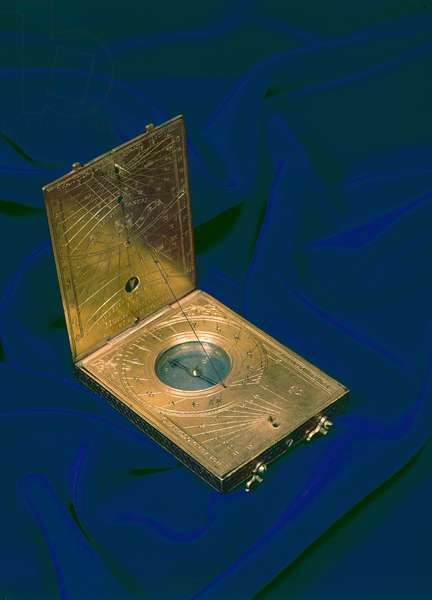 Tablet sundial, 1592 (gilt brass)
