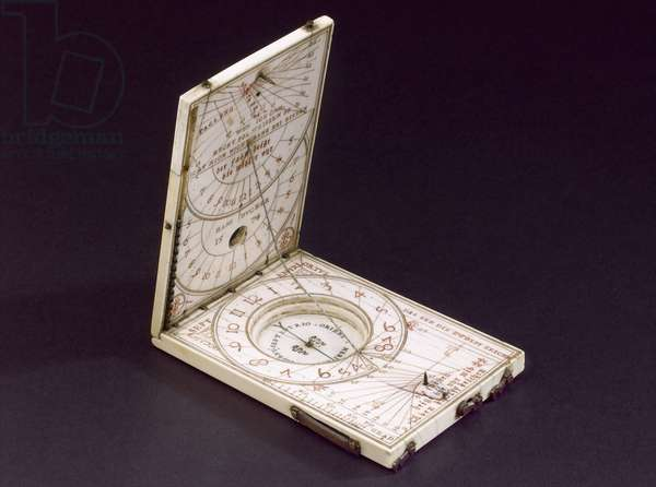 Tablet compass sundial, Nurenberg, 1574 (ivory) (see also 259578-80)