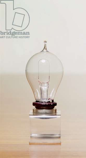 First commercial light bulb (glass) (see also 3197)