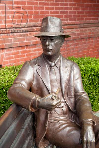 Statue of William Faulkner outside the Lafayette County Courthouse in Oxford Mississippi  (photo)