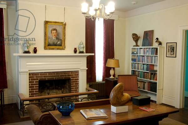 Interior of Rowan Oak home of William Faulkner in Oxford Mississippi (photo)
