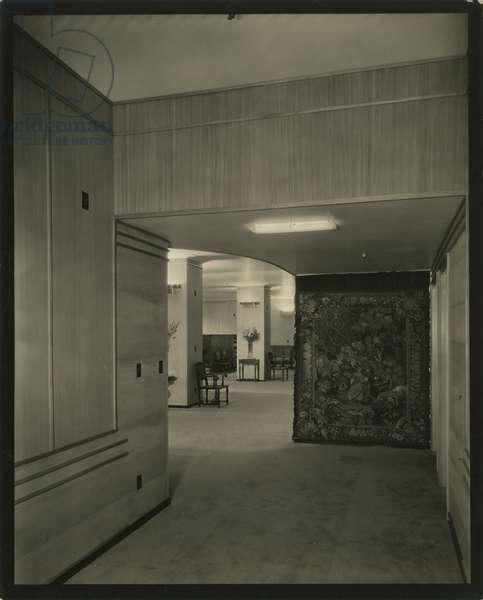 Stroheim & Romann showroom, 515 Madison Avenue, New York, USA, c.1920-38 (gelatin silver photo)