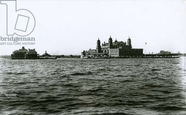 Ellis Island, New York Harbour, 1903 (b/w photo)