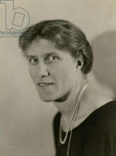 Else Brandstrom winner of Nobel Prize, illegible men die in prison during the war, 1923 (gelatin silver photo)