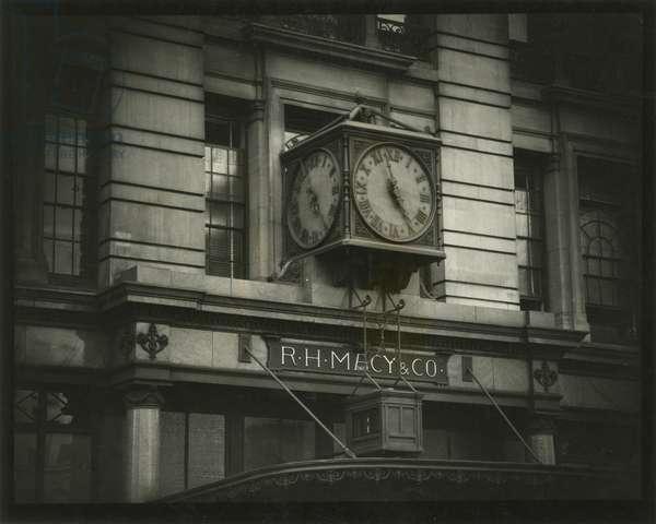 R.H. Macy & Co, 35th Street and Broadway - Clock, USA, c.1920-38 (gelatin silver photo)
