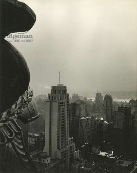 New York Central Building looking west, New York, USA, c.1920-38 (gelatin silver photo)