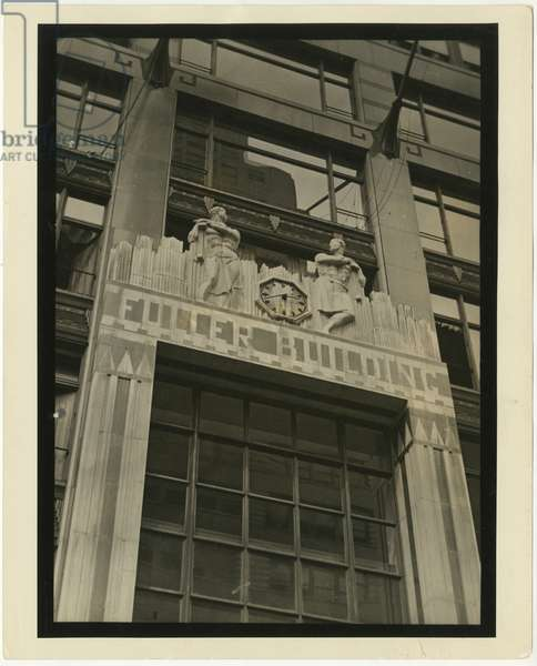 Fuller Building, 41 East 57th Street. Scultpure of Construction Workers flanking clock by Elie Nadelman, New York, USA, c.1920-38 (gelatin silver photo)