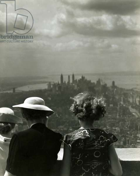 Women looking south from observation deck, Empire State Building, USA, c.1920-38 (gelatin silver photo)