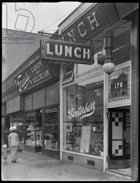 Canterbury Lunch sign at 202 (or 178) E. 125th Street, New York City, May 2, 1916 (b/w photo)