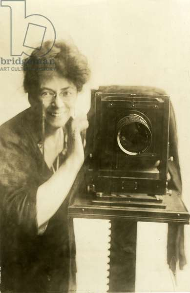 Beals self-portrait, c.1918-20 (gelatin silver photo)