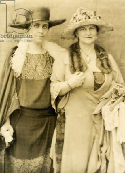 Mrs Coolidge & her friend Frances Parkinson Keyes, 1924 (gelatin silver photo)