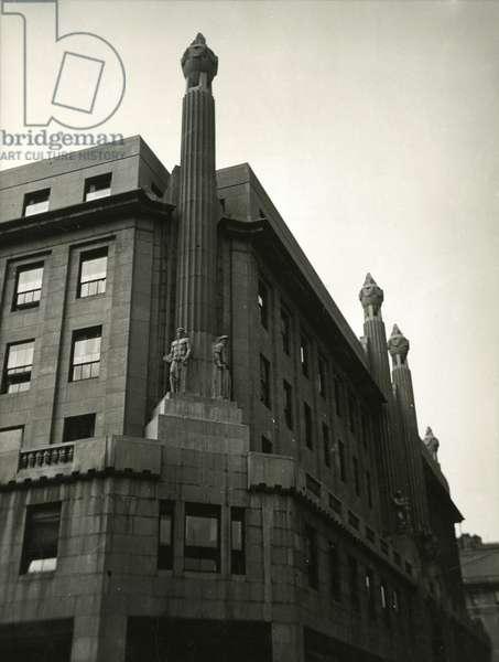 International Magazine Building/ Hearst Magazine Building, 951-969 Eighth Avenue: detail of façade statuary, New York, USA, c.1920-38 (gelatin silver photo)