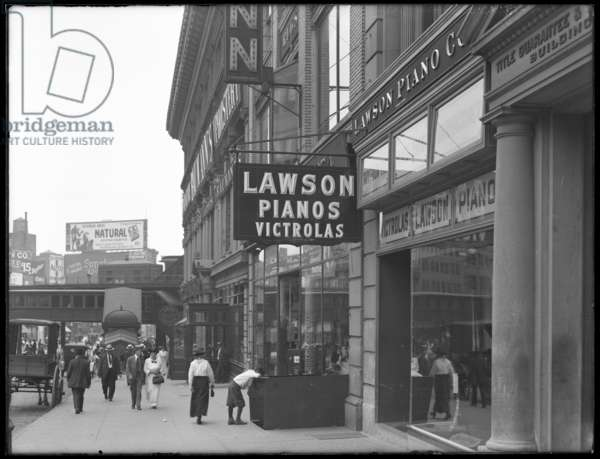 Sign for Lawson Pianos, 372 E. 149th Street, New York City, August 2, 1916 (b/w photo)