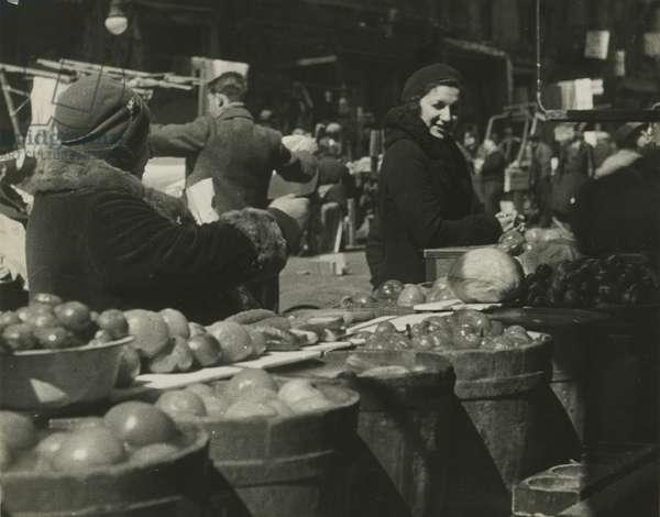 Pedlars, East Side - barrels of produce, USA, c.1920-38 (gelatin silver photo)