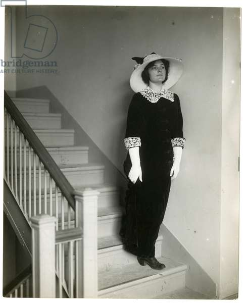 Right way coming down stairs, c.1905-18 (gelatin silver photo)