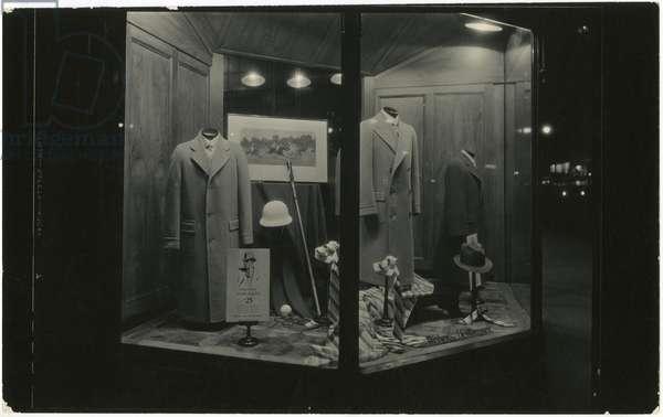 Weber and Heilbroner, window display, 503 Fifth Avenue, New York, USA, c.1920-38 (gelatin silver photo)
