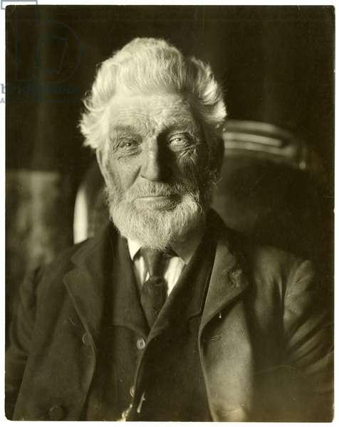 Mr Messenger, bee man, c.1905-09 (gelatin silver photo)