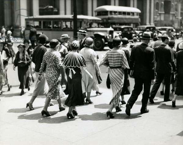 Crowds Shopping, 34th Street and Fifth Avenue, B. Altman & Co, New York, USA, c.1920-38 (gelatin silver photo)