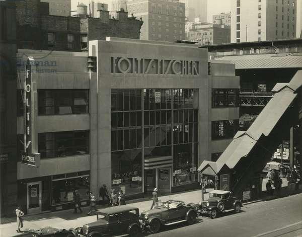 Foltis-Fischer restaurant, 42nd Street and Third Avenue (200 E. 42nd Street), New York, USA, c.1929-38 (gelatin silver photo)