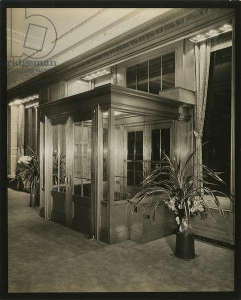 Stroheim & Romann, entrance interior, 515 Madison Avenue, New York, USA, c.1920-38 (gelatin silver photo)