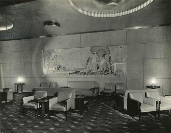 RKO Roxy Theatre (1932), 1230 Sixth Avenue at 49th Street: Grand lounge, mural painted by Arthur Crisp, New York, USA, c.1932-38 (gelatin silver photo)