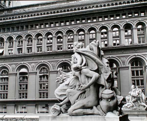 Custom House statue, rear of NY Produce Exchange Building, Broadway, Manhattan, 1936 (silver gelatin print)