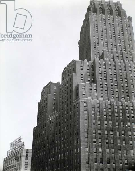 N.Y. Telephone Building, Manhattan, 12th August, 1936 (gelatin silver print)