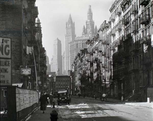 Henry Street, Manhattan, 1935 (gelatin silver print)