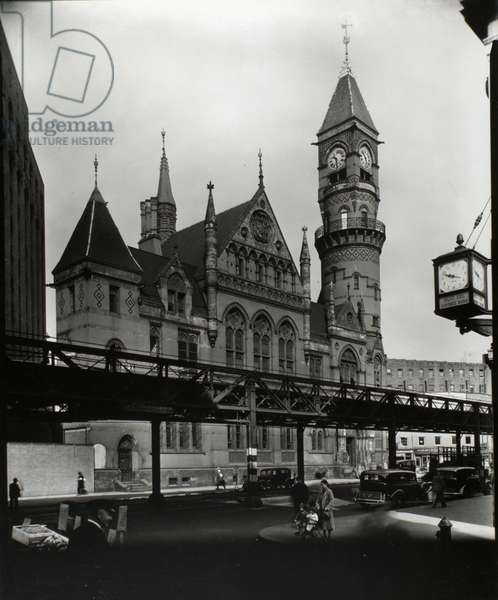 Jefferson Market Court, Manhattan, 21st October, 1935 (gelatin silver print)