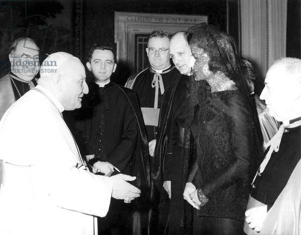 Vatican, 11/03/1962. Le Pape Jean XXIII rencontre Jacqueline Kennedy, épouse du President americain John Fitzgerald Kennedy. Photo Felici. © Farabola/ Leemage