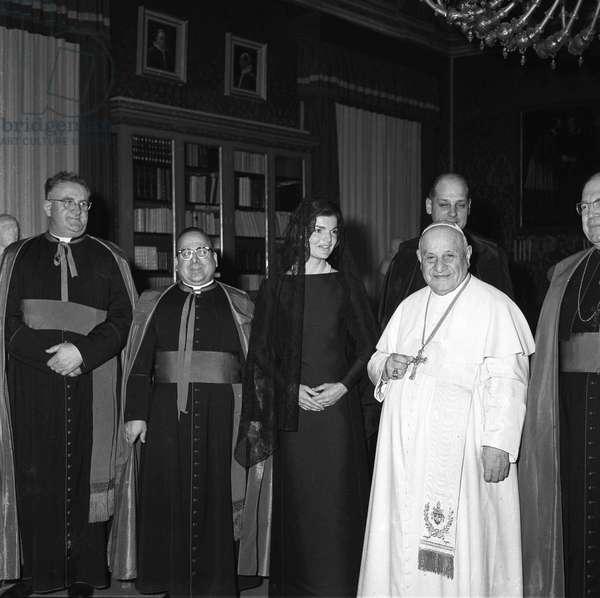 Vatican 11/03/1962. Le Pape Jean XXIII (1958 - 1963) reçoit la visite de Jacqueline Kennedy, épouse du Président americain John Fitzgerald Kennedy. Photo felici © Farabola/ Leemage