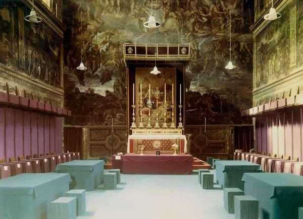 Vatican 10/1958. Conclave pour l'election du nouveau Pape. Salle du Conclave a l'interieur de la Chapelle Sixtine.