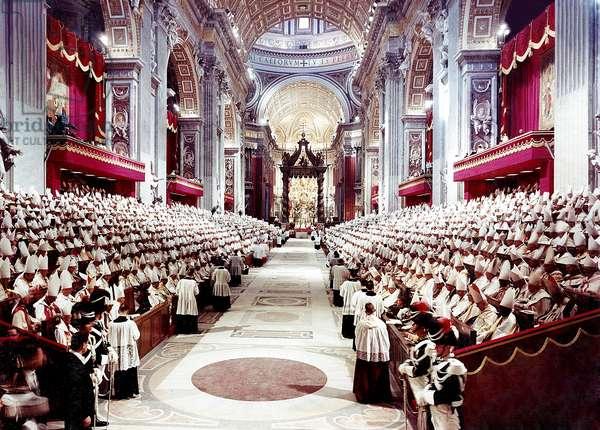 Cite du Vatican, le 11/10/1962 : ouverture du concile Vatican II. Le pape jean XXIII dans la basilique saint Pierre a Rome.