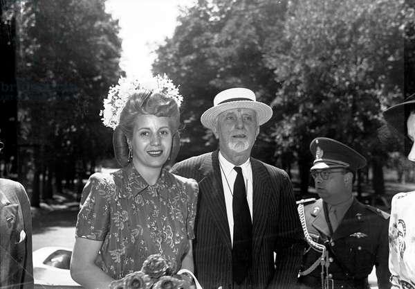 Evita (Eva) DUARTE PERON avec le comte Carlo SFORZA , Ministre des affaires étrangères à Milan, le 29/06/1947.