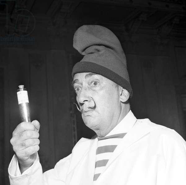 Venise, 1961 Performance di Salvador Dali al Teatro La Fenice , 1961 (b/w photo)