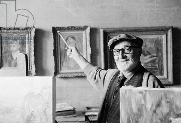 Portrait of the painter Charles Camoin (1879-1965) in 1964 (b/w photo)