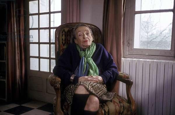 "Portrait of Marguerite Duras (pen name of Marguerite Donnadieu) on the set of the movie """"Ecrire"""" directed by Benoit Jacquot 1993"