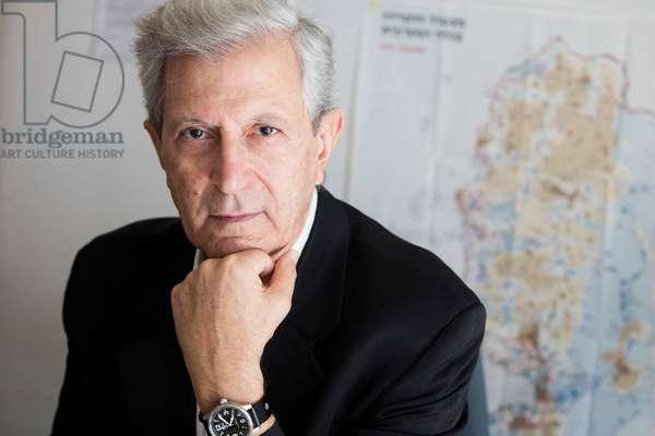 Portrait of Samy Cohen in his office (Institut d'Etudes politiques, Sciences Po) 16/09/2016