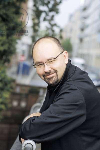 RUIZ ZAFON Carlos - Date : 20031101