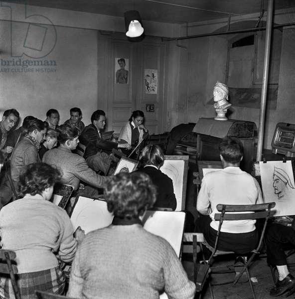 Cours de dessin a l'Ecole des Beaux Arts, Annecy Haute-Savoie 1955 (Drawing lesson at school of Fine Arts) Photographie