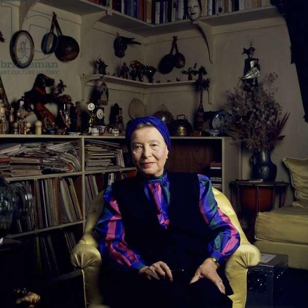 Portrait of Simone De BEAUVOIR at her place 01/06/1986