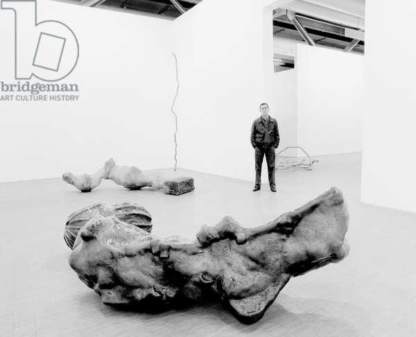 Portrait du sculpteur Toni Grand (1935-2005), a Mouries, 1986