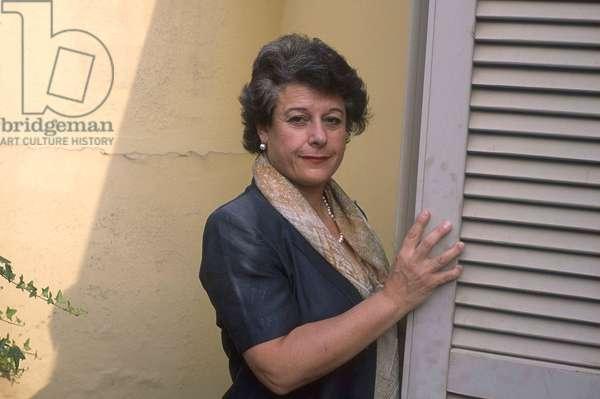 Simonetta AGNELLO HORNBY - Date : 20021001